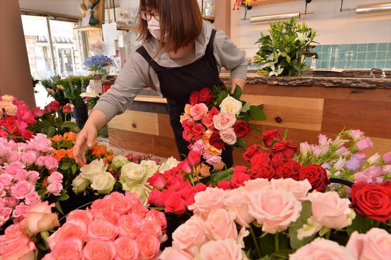 100本の花束バラ編